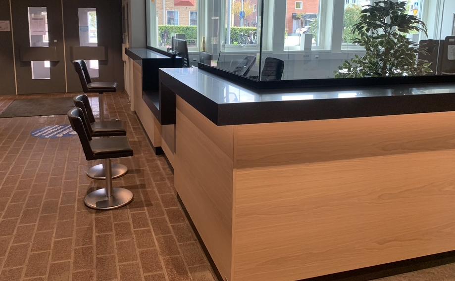 receptionsdisk offentlig miljö